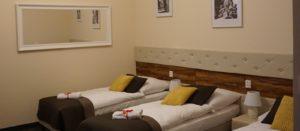 Pokój trzyosobowy Economy w Hotelu Expolis Residence baner